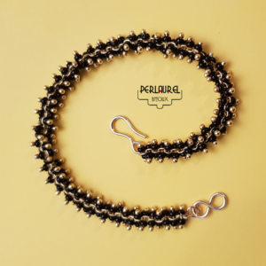 Bracelet-chenille-noir
